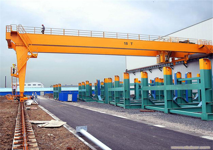 Price two-half semi-gantry crane
